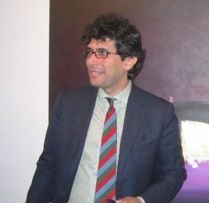 Il gallerista Antonio Battaglia alla mostra di David (02/2010)